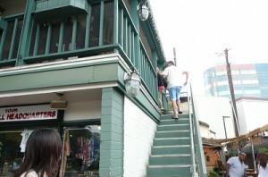 1階は受付とテイクアウト、店舗は2階